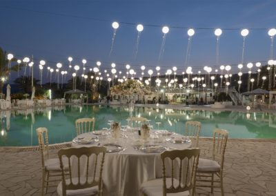 matrimonio-in-piscina